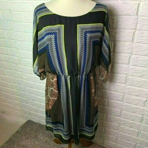😊 AUW Dress Size Large Short Sleeves Black Blue